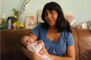 Monica Coronel con Yanina Recién nacida